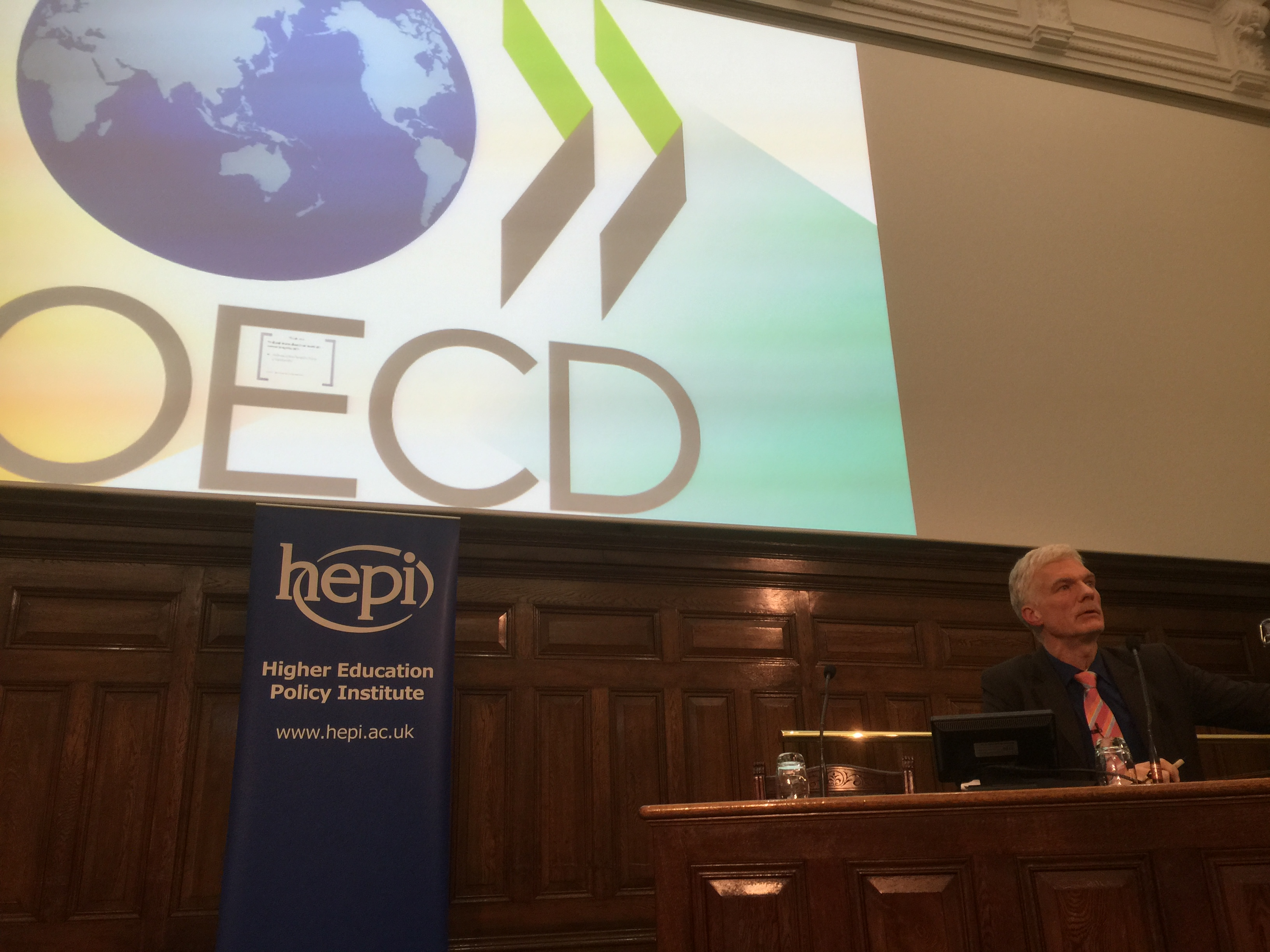 Andreas Schleicher taking questions after delivering the 2015 HEPI Annual Lecture